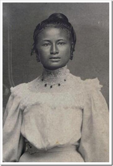 Wanita Indonesia pada Abad 18 - Halimah
