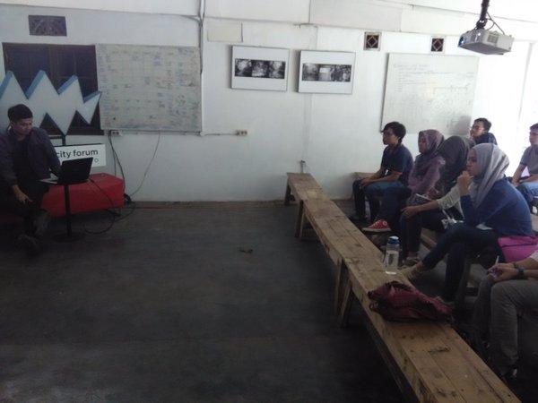 Pembukaan acara oleh ketua TEDx Bandung